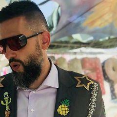 Главный таможенник Украины со стриптизершами попал на видео