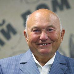 Путин захотел увековечить имя Лужкова