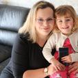 2-летняя дочь спасла мать от смерти с помощью соц-сети