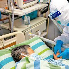 Не менее 195 человек повторно заразились коронавирусом в Ухане
