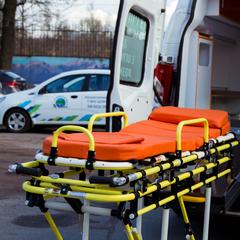 В Пермском крае медики протащили пациента по асфальту