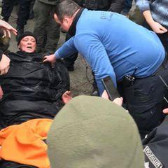 Украинец попытался совершить суицид под окнами Зеленского