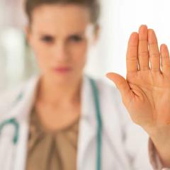 На Украине врач отказалась принять пациентку из-за суеверий