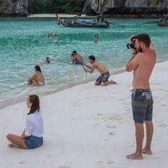 Пляжные фото, которым есть, чем удивить: Сеть в истерике