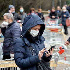 Медицинские маски не спасут от коронавируса - подробности
