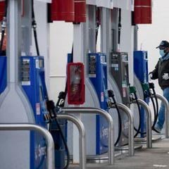 Срочно: в России обрушились цены на бензин