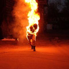 Ревнивец облил бензином и поджег уборщицу на юго-востоке Москвы