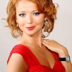 Лишилась волос: Захарова рассказала о личной трагедии