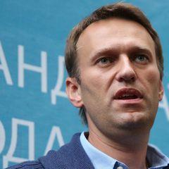 Навальный требует вернуть его одежду