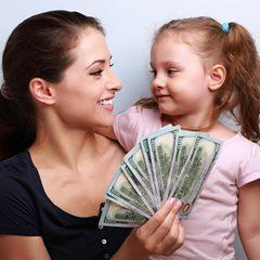Пособие 10000: семьям с детьми выделят ещё 2,5 млрд рублей