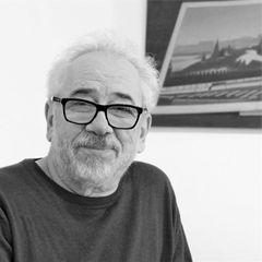Умер Михаил Яснов