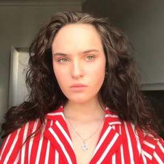 Дочь Гузеевой рассказала, почему отказалась от бритья подмышек