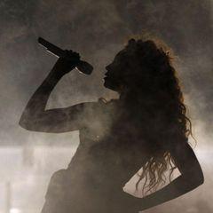 Известная певица поведала о рождении второго мертвого ребенка