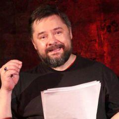 Актер из «Интернов» Сергей Попов подрался с худруком театра