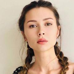 «Не хочу сглазить»: дочь Заворотнюк уезжает из России