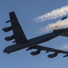 Таинственный самолет засекли рядом с российскими авиабазами в Сирии