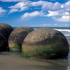 Правда про разбросанные по всему миру огромные каменные шары раскрыта - ученые потеряли дар речи