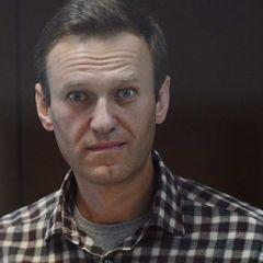 Гангстер на пенсии назвал способ давления на Навального в колонии