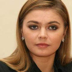 Как выглядит и чем занимается младшая сестра Алины Кабаевой