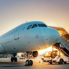 Два пассажирских самолета столкнулись в аэропорту РФ— видео