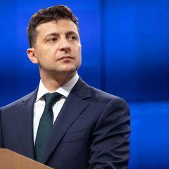 На Украине Зеленскому предрекли импичмент из-за его гражданства