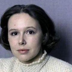 Как живет борющаяся с раком актриса Евгения Симонова