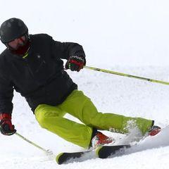 Российский лыжник на соревнованиях врезался в дерево и погиб