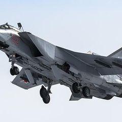 Российский МиГ-31 обратил два истребителя НАТО в бегство