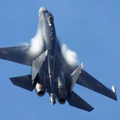 Су-35 заставили сбежать десант США и развернуть корабли
