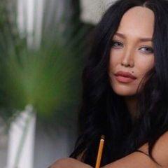 Глаз не оторвать: молодая жена Цекало показала шикарное тело