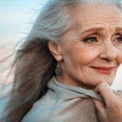 Человек стареет не постепенно, а рывками: названы три возраста