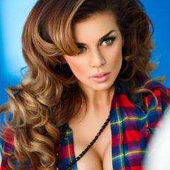 Рискованно и смело: Седокова показалась в бикини без фотошопа
