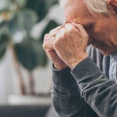 Ученые назвали неожиданный симптом деменции