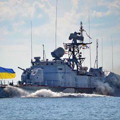 Корабль ВМФ РФ перехватил в Азовском море катер ВМС Украины