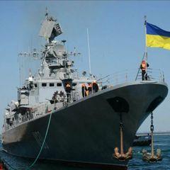 Военный корабль Украины вторгающийся в Крым остановила РФ