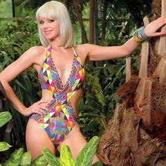 Натали восхитила поклонников отличной фигурой в купальнике