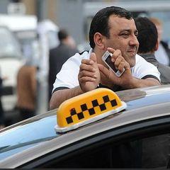 Таксист зарезал отказавшегося уступать ему дорогу россиянина