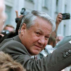 Экс-зять Ельцина рассказал, кто заставил президента уйти с поста