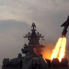 Боевой корабль ВМФ России сбил две передовые американские ракеты
