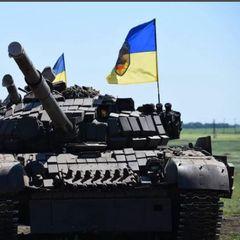 Украина массово перебрасывает к границе Крыма танки и артиллерию