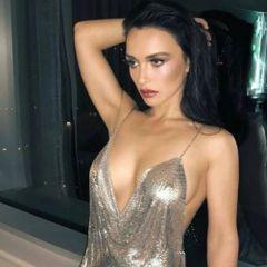 Ольга Серябкина показала роскошную грудь на крымском курорте