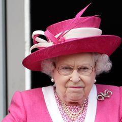 Елизавета II готовит ответные меры против принца Гарри и Маркл