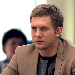 «Ходил смотрел на меня»: Корчевников о связи с директором театра