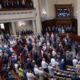 В Украине начался внутренний раскол: депутаты признали поражение