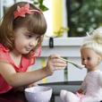 2-летняя девочка заработала редкий диагноз из-за куклы: в это сложно поверить