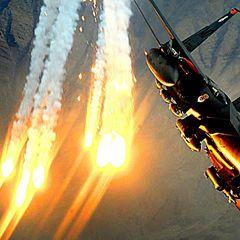 F-15E ВВС США заискрился