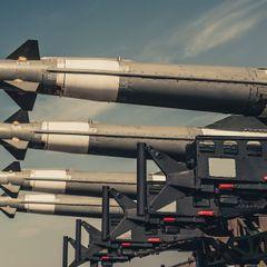 Единственный фактор сдерживает НАТО от установки ракет на Украине