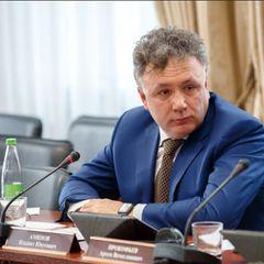"""Депутат от """"ЕР"""" назвал непривитых """"безмозглыми баранами"""""""