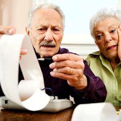Для пенсионеров отменили ряд налогов: за что платить не надо