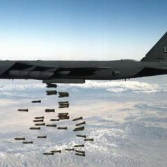 Бомбардировщики B-52 ВВС США готовятся разбомбить тысячи талибов